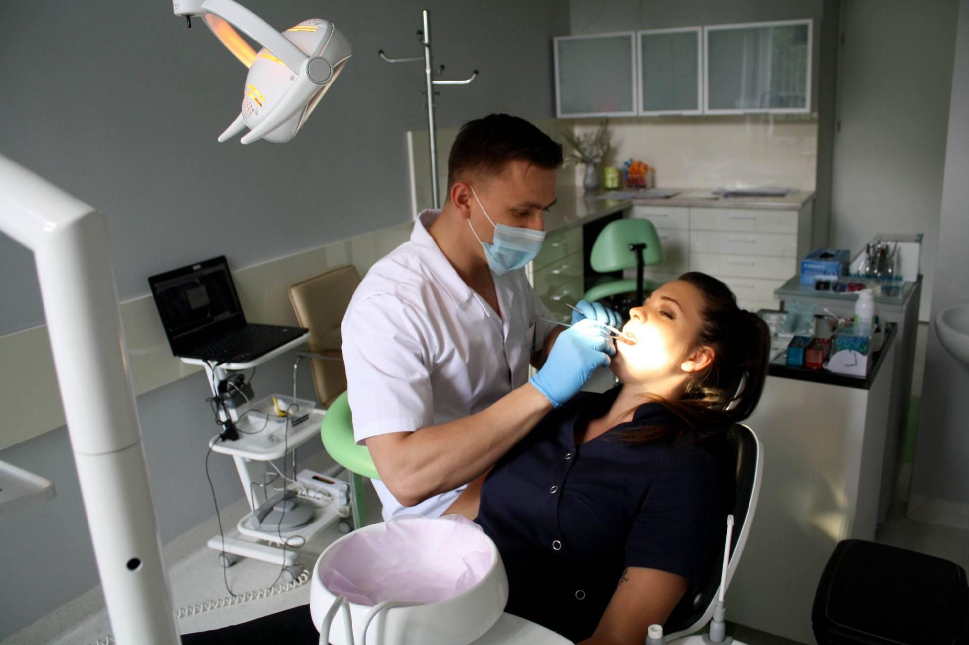 leczenie stomatologiczne w centrum stomatologii w Krakowie